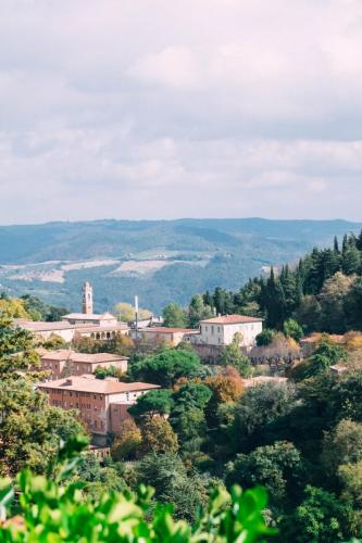 Tuscan Country Hills